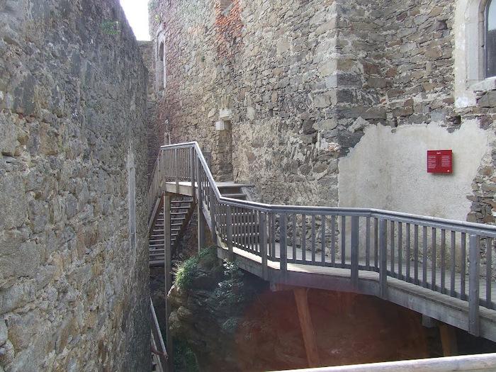 Развалины замка Аггштайн у вод Дуная 18133