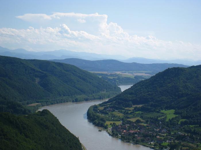Развалины замка Аггштайн у вод Дуная 18107