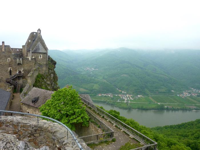Развалины замка Аггштайн у вод Дуная 47924