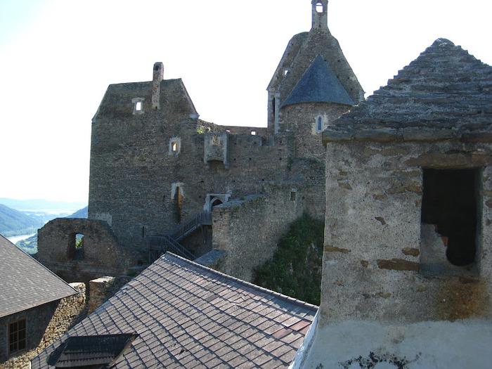 Развалины замка Аггштайн у вод Дуная 30520