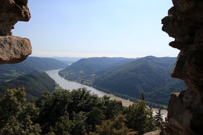 Развалины замка Аггштайн у вод Дуная 15752