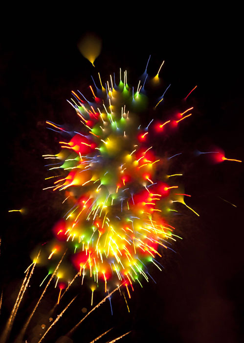 Long-Exposure-Firework-David-Johnson-5 (499x700, 90Kb)