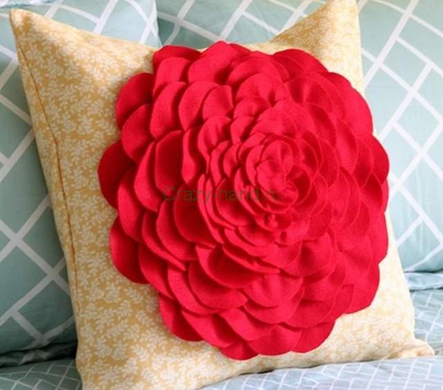 Подушка своими руками с розами