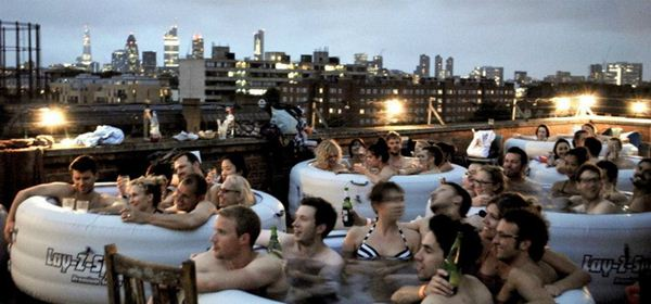 Hot Tub Cinema4 (600x280, 39Kb)