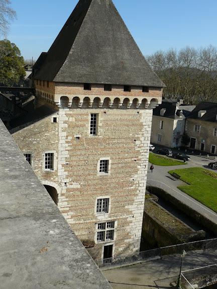 Замок По - Родовой замок Бурбонов 81887