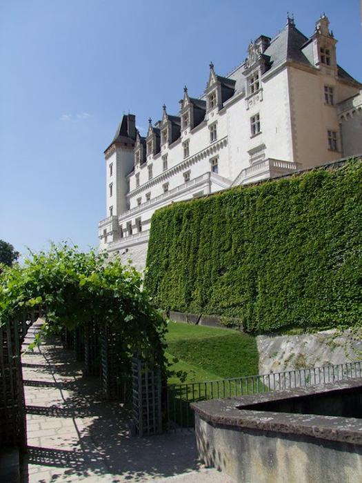 Замок По - Родовой замок Бурбонов 75617