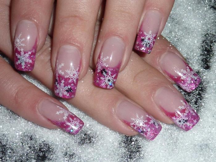Нарощенные ногти с новогодним дизайном фото