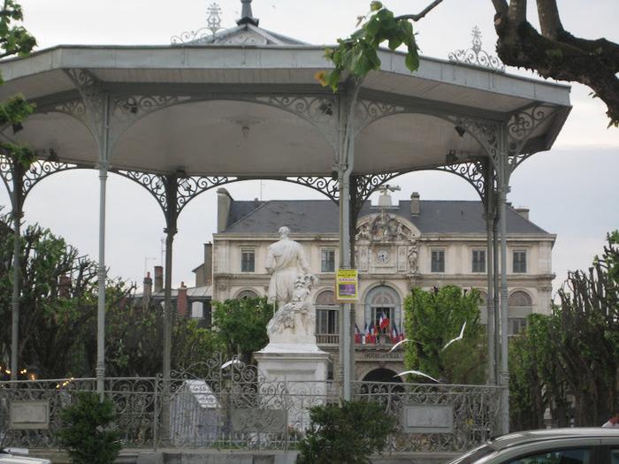 город По - Pau 94066