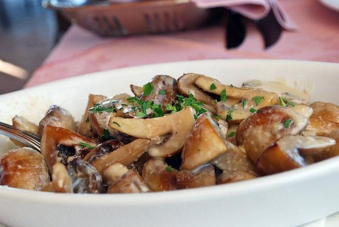 салат из грибов (700x468, 59Kb)
