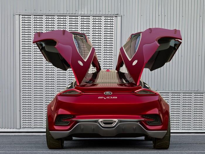 Оригинальный концепт-кар Ford Evos 13 (700x525, 117Kb)