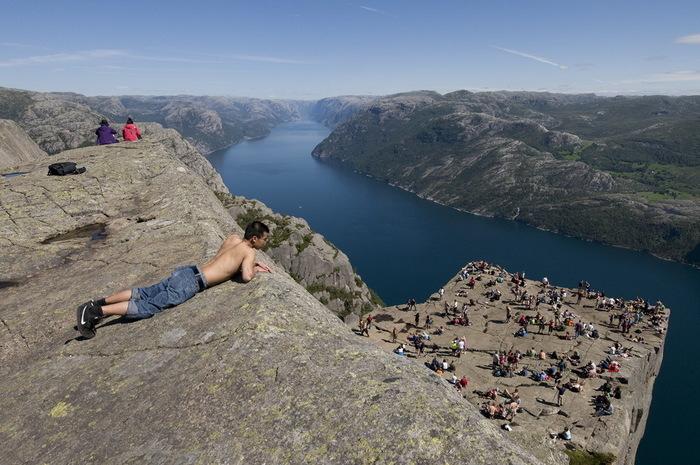 утес Прекестулен норвегия фото 5 (700x465, 134Kb)