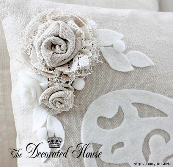 The Decorated House Fabric Flowers Val Pillow (582x560, 185Kb)
