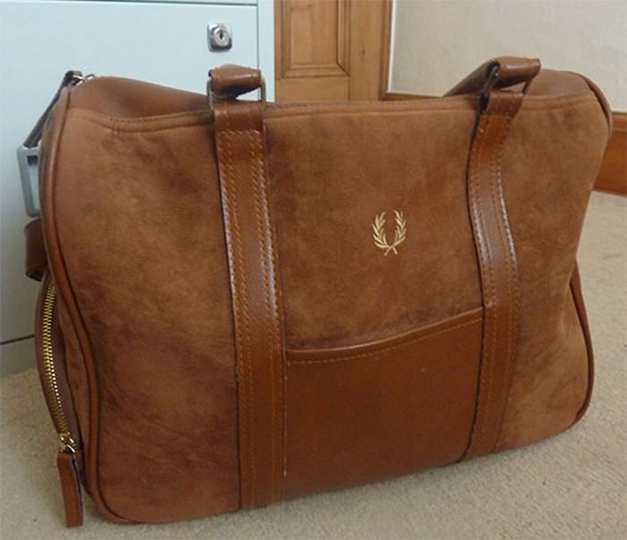 50 стильных сумок для мужчин сезона осень-зима 2012 21 (700x603, 75Kb)
