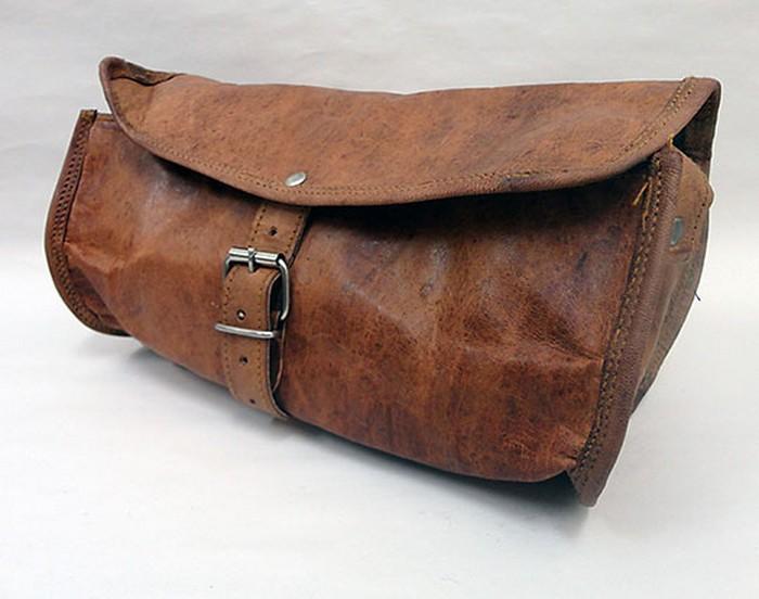 50 стильных сумок для мужчин сезона осень-зима 2012 25 (700x552, 69Kb)