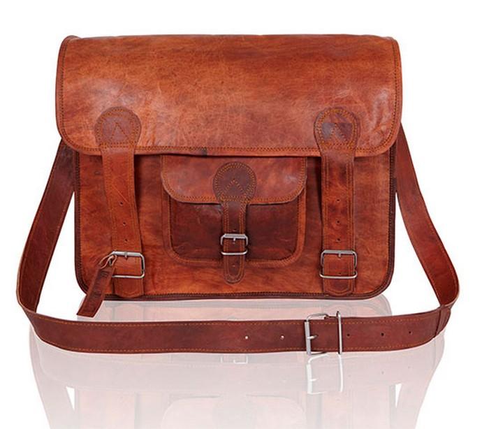 50 стильных сумок для мужчин сезона осень-зима 2012 26 (700x614, 79Kb)