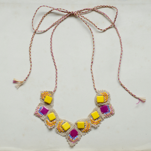 Yellow-and-fushia-necklace (500x500, 185Kb)