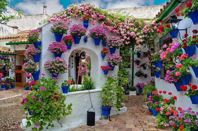Как украсить самому дома