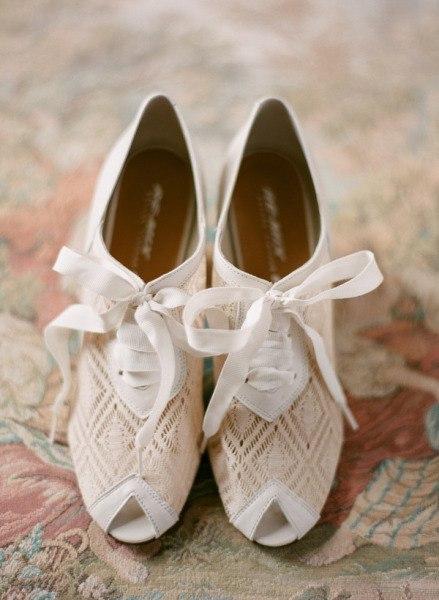 свадебные туфли3 (439x600, 52Kb)