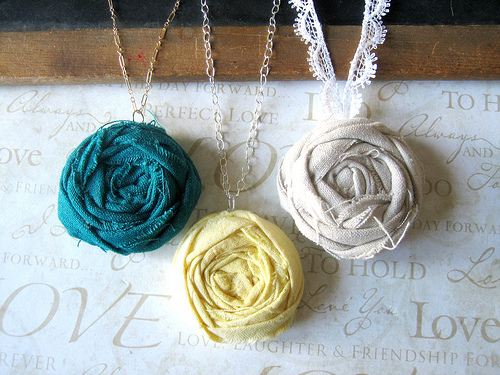rolled-flower-pendants1 (500x375, 161Kb)