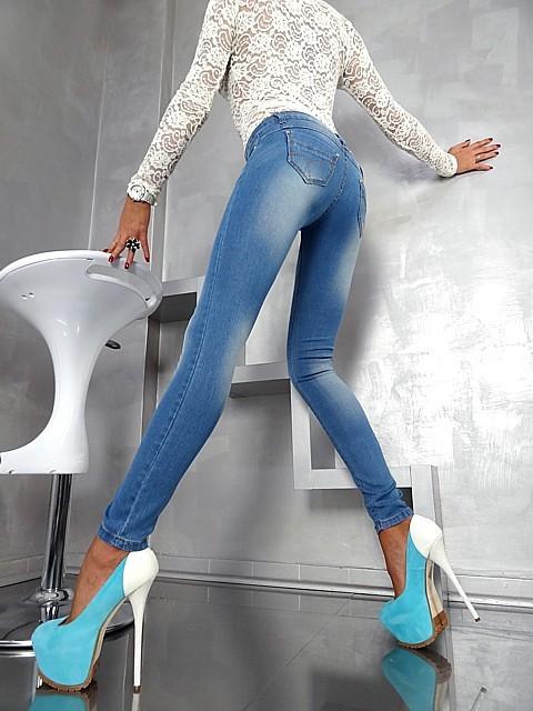 Модные джинсы 2013 на фото