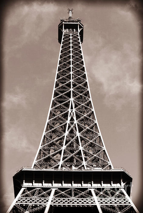 antique-eiffel-tower-john-rizzuto (471x700, 76Kb)