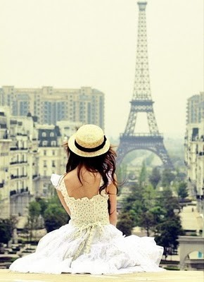 dress,girl,paris,scenery,vintage,eiffel,tower-03a3a6b821fe614ff229fe02b484e49b_h_large (290x400, 29Kb)