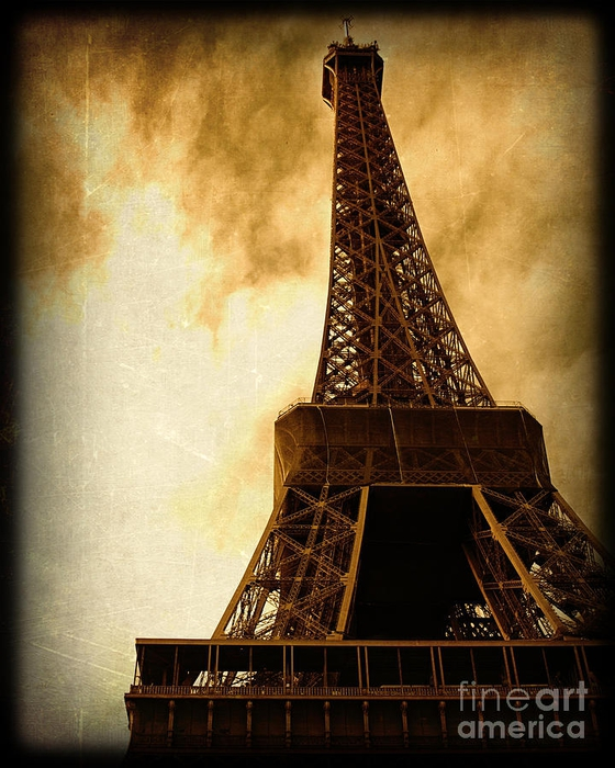 eiffel-tower-in-paris-france-wth-a-grunge-vintage-border-elite-image-photography-by-chad-mcdermott (560x700, 300Kb)