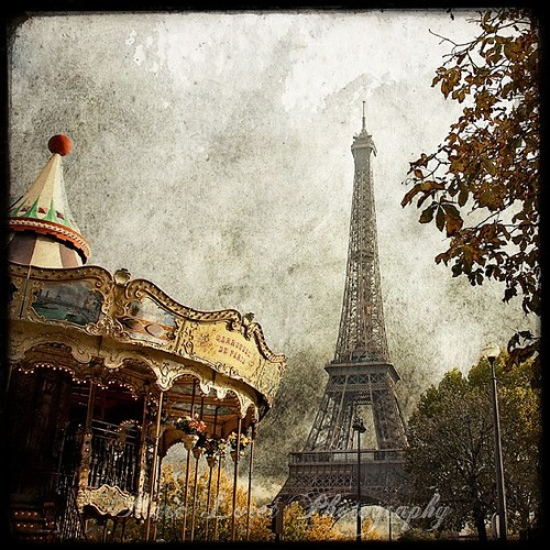 illustration,art,carousel,eiffel,tower,paris,france-f209e4e7e880f0f68272646b3b9df739_h (500x500, 113Kb)