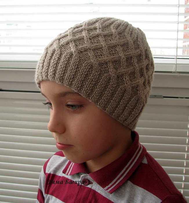 узоры для шапки мальчику спицами схемы и описание