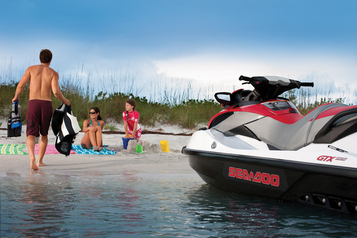 купить водным мотоцикл Bombardier/1348330071_gidrocikl_Bombardier_kupit__v_moskve (700x467, 114Kb)