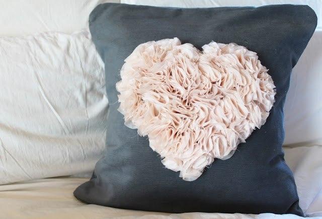 Декорируем подушку (1) (640x435, 46Kb)