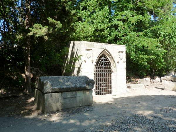 руины аббатства Монмажур8 (600x450, 65Kb)