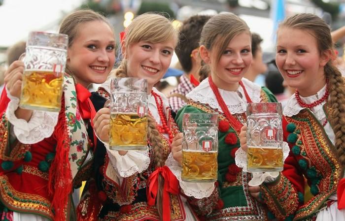 Октоберфест 2012 - лучшие фото фестиваля 1 (700x449, 112Kb)
