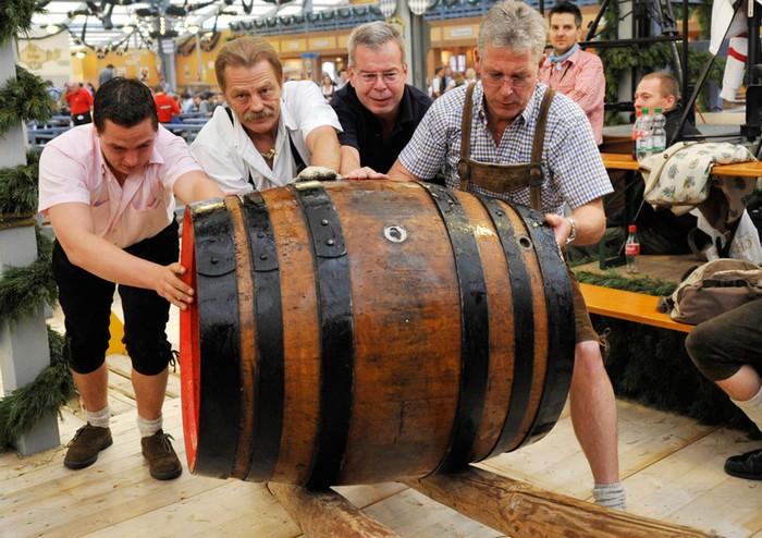 Октоберфест 2012 - лучшие фото фестиваля 42 (700x494, 118Kb)