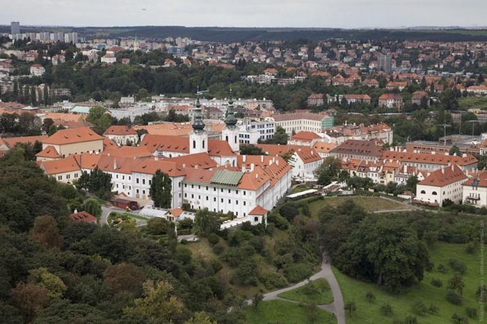 Неповторимая архитектура Праги 13 (700x466, 120Kb)