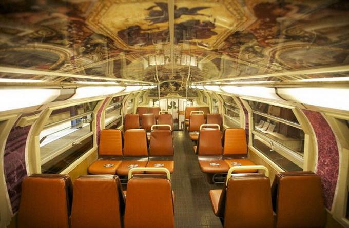 парижский поезд оформлен под версальский дворец 1 (680x445, 120Kb)