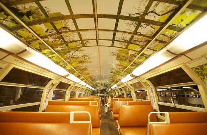 парижский поезд оформлен под версальский дворец 3 (680x445, 130Kb)