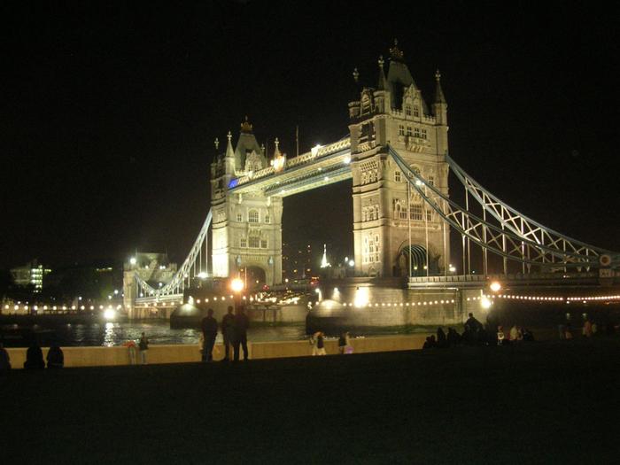 tower-bridge-night (700x525, 425Kb)