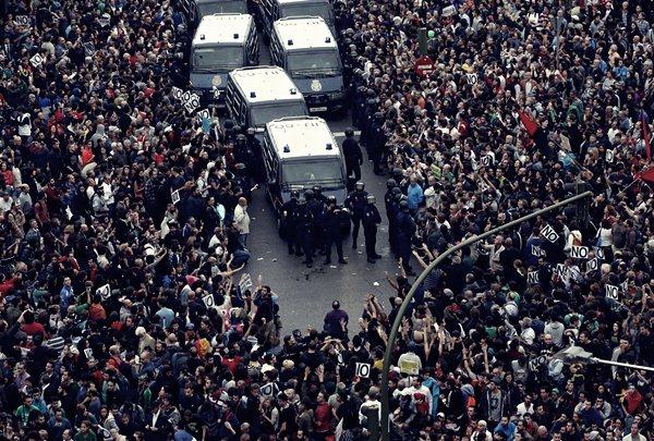 Демонстрации в Мадриде 25 сентября1 (600x405, 111Kb)
