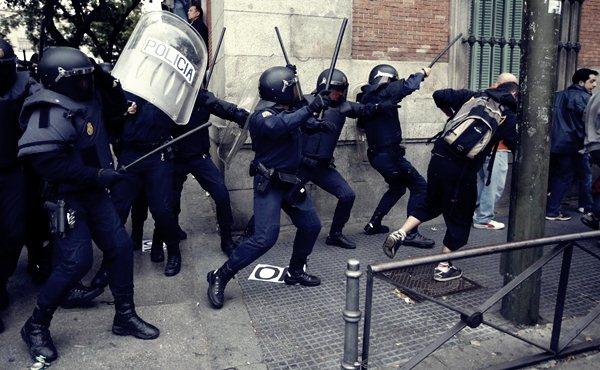 Демонстрации в Мадриде 25 сентября7 (600x370, 65Kb)