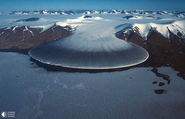 Северная часть Гренландии. Ледник под названием Поступь слона (604x390, 49Kb)