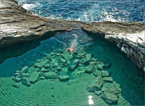 Уединенная лагуна под названием Гиола. Остров Тассос, Греция (604x443, 102Kb)