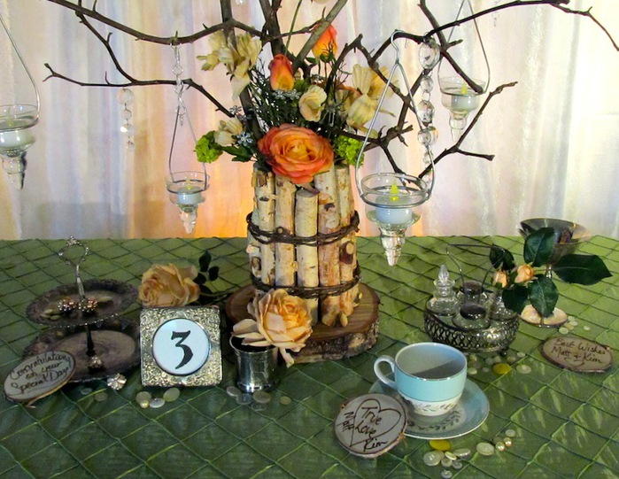 Greenscape-Design-Willow-Branch-and-Birch-Centrepiece-with-Crystals-and-Peach-Coral-Green-Flowers-Close-Up (700x541, 146Kb)