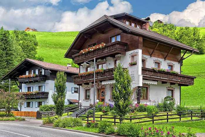 красивые домики в итальянской деревне 3 (700x469, 64Kb)