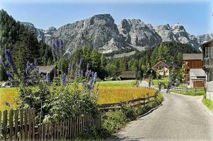 красивые домики в итальянской деревне 5 (700x463, 73Kb)