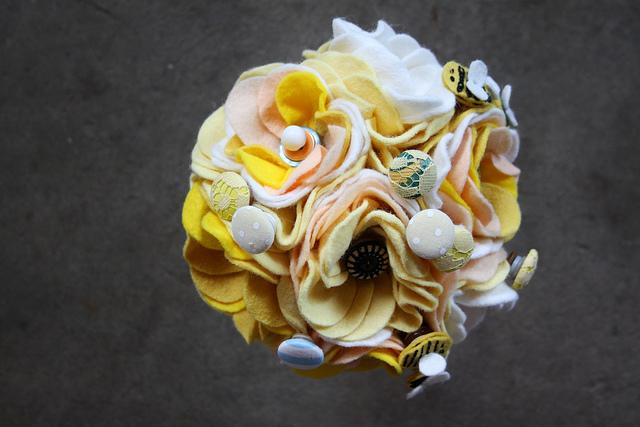 Цветы из войлока, фетра 18 (640x427, 139Kb)
