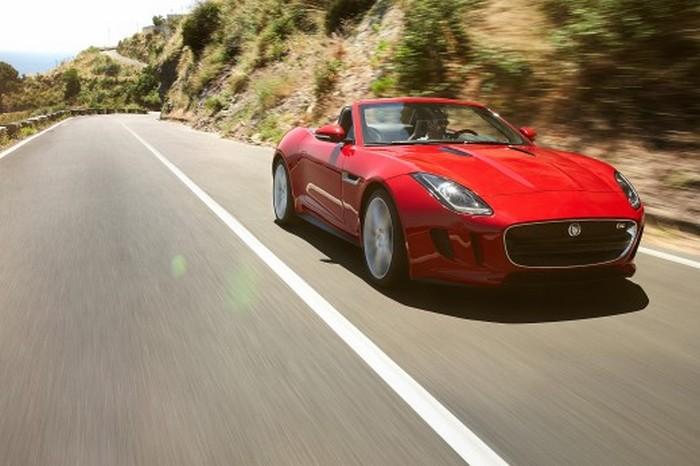 Красивый родстер Jaguar F Type образца 2012 года
