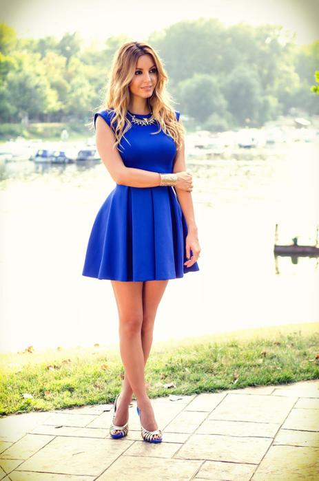 Платья и асимметричные платья