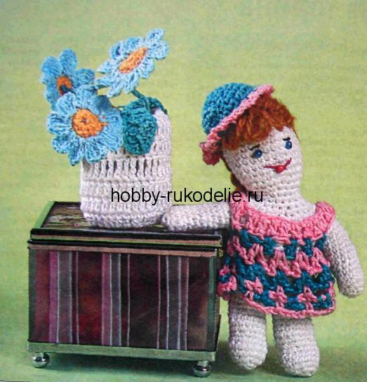 """пряжа  """"Беби """" или любая х/б пряжа. бисер.  Кукла в шляпке - игрушка, вязание крючком по бесплатной схеме..."""