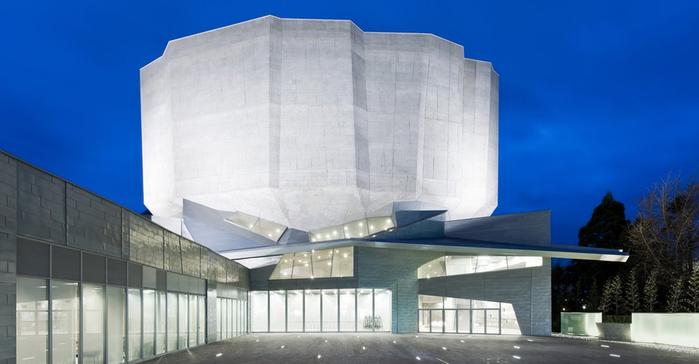 Культурный центр Юрихондзо в Японии (700x364, 267Kb)